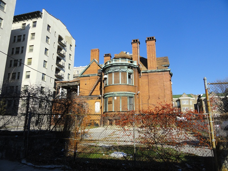 One of Baltimore's most beautiful neighborhoods is dying (5/5)